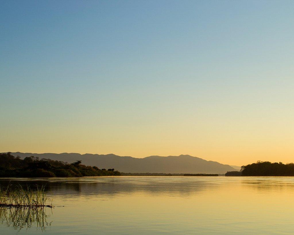 zambezi river sunrise 1